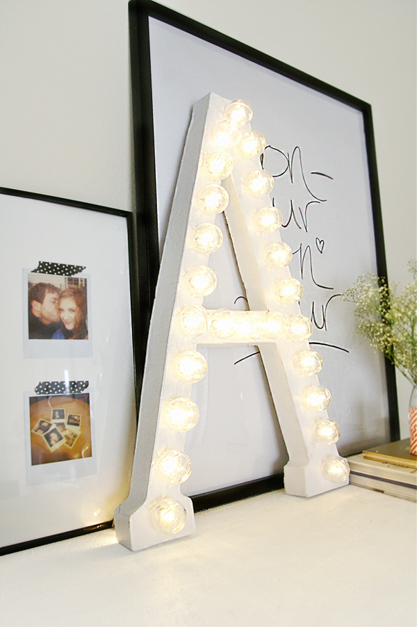 Diy Tutorial Fur Buchstaben Lichter Ein Trend Der Gerne Bleiben Kann also Winning Oscar Party Ideas likewise Wedding Centerpiece together with Hollywood Theme Bat Bar Mitzvah Sweet 16 Party as well Kermit Frog. on oscar party decorating