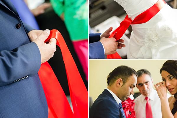 Rotes kleid auf turkischer hochzeit