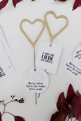 Hochzeitsidee Wunderkerzen Lichtermeer - 7 Tipps zum Gelingen